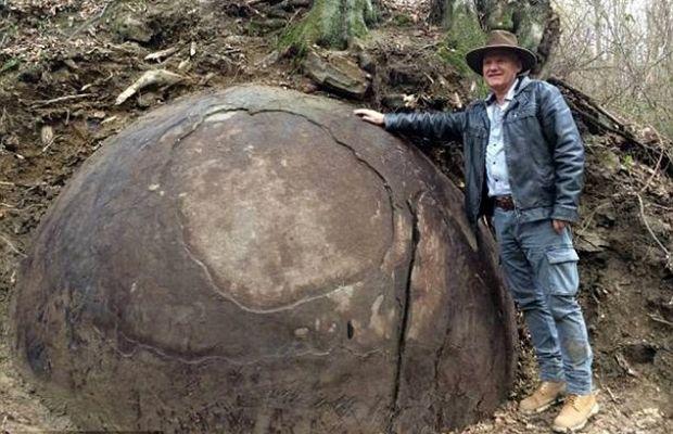 sfera de piatra -3