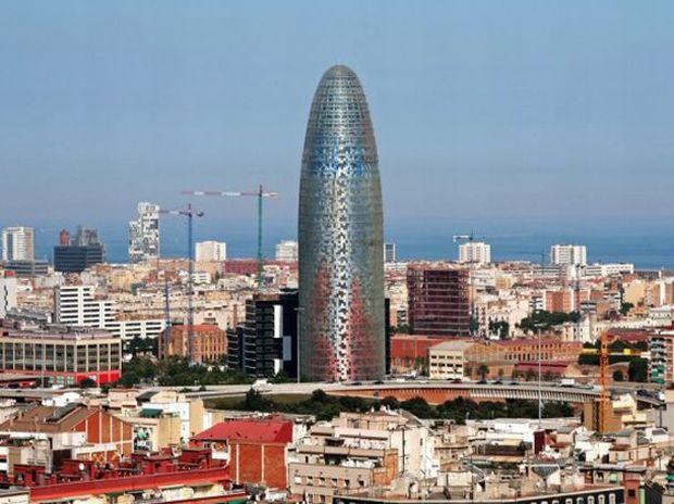 cele mai urâte clădiri din lume - Turnul Agbar