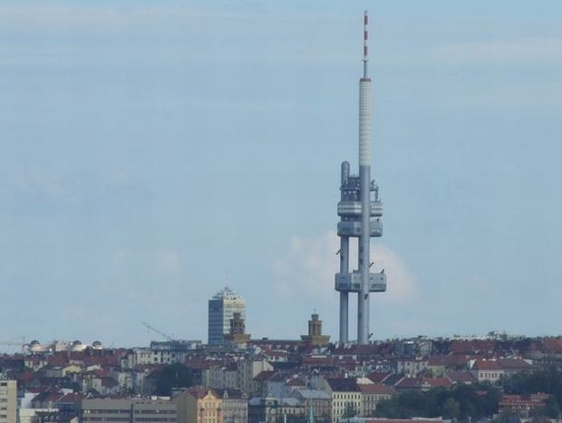 cele mai urâte clădiri din lume - Turnul Televiziunii