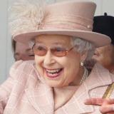 Ce bogății ciudate deține regina Angliei