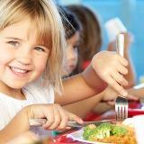 De ce copiilor li se pare mai gustoasă mâncarea